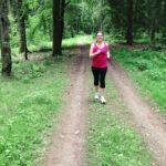 Frau, joggen, Wald