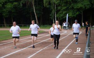 Mein Team beim Trainieren der neuen Lauftechnik. ©Bridgestone