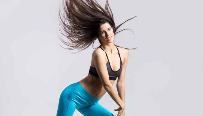 Frau tanzt; Zumba