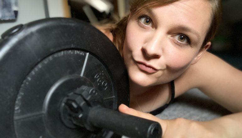Muskelaufbau, Krafttraining, Krafttraining zu Hause, Langhanteln, Nina-Carissima Schönrock