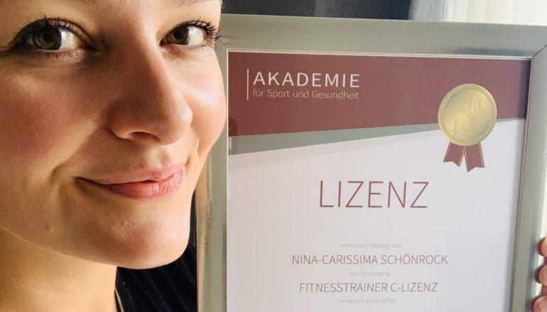Fitnesstrainer-C-Lizenz, Fitnesstrainer, Zertifikat, Kurs, Absolventin, Nina-Carissima Schönrock, Fitnessblog, ichmachdannmalsport.de